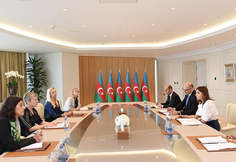 """Первый вице-президент Мехрибан Алиева: Территориальная целостность Азербайджана должна быть восстановлена, беженцы должны вернуться в родные края, и после этого в регионе установится мир <span class=""""color_red"""">- ФОТО</span>"""