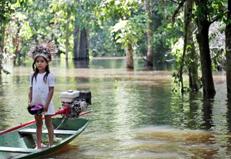 """Климатологи предупредили о начале эпохи """"великих потопов"""" в Амазонии"""
