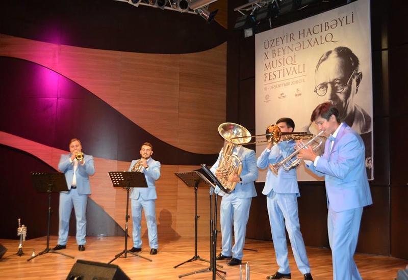 "В Центре мугама состоялся яркий концерт New Life Brass из России <span class=""color_red"">- ФОТО</span>"