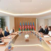 """Первый вице-президент Мехрибан Алиева: Территориальная целостность Азербайджана должна быть восстановлена, беженцы должны вернуться к родным очагам, после чего в региона утвердится мир <span class=""""color_red"""">- ФОТО</span>"""