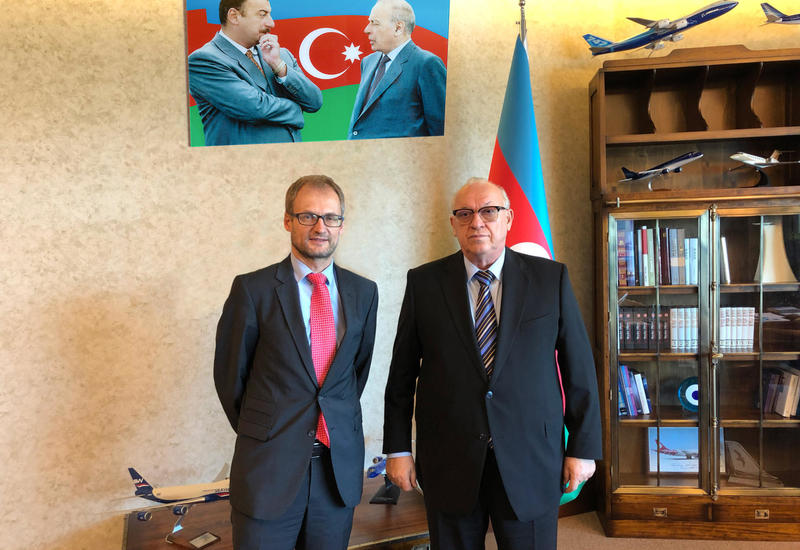 Президент AZAL встретился с послом Швейцарии в Азербайджане