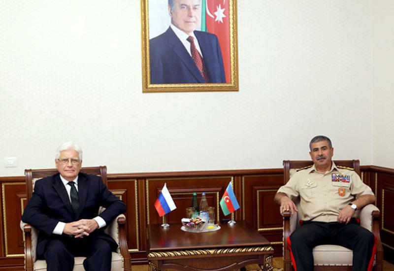 Закир Гасанов на переговорах с послом России