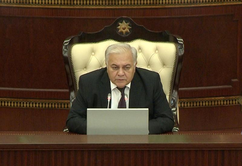 Огтай Асадов: 100 лет назад парламент Азербайджана построил свою работу на принципах, характерных для демократических государств