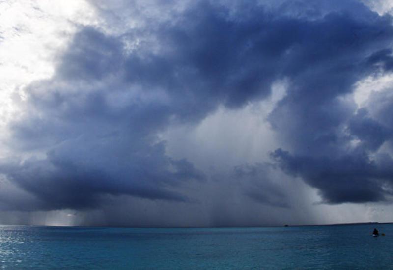 """В Атлантическом океане сформировался тропический шторм """"Кирк"""""""
