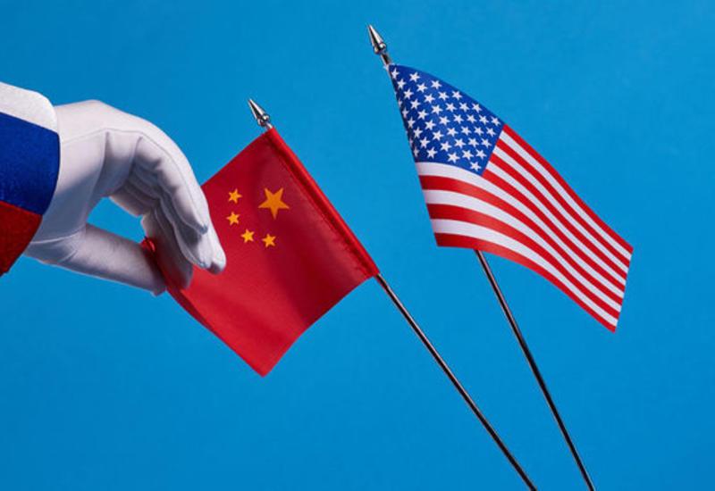 Китай отозвал главу ВМС из США из-за санкций за сотрудничество с Россией