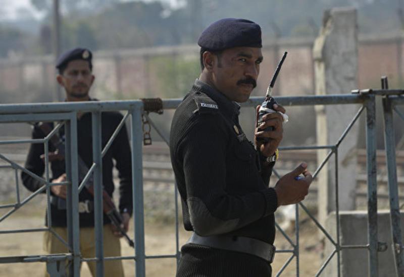 В Пакистане семь силовиков погибли при столкновении с боевиками