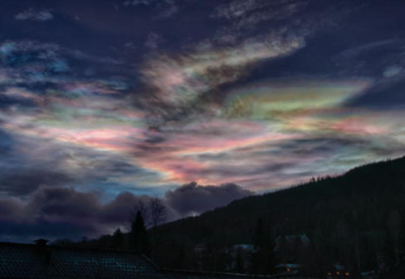 NASA засняли самые редкие облака на Земле