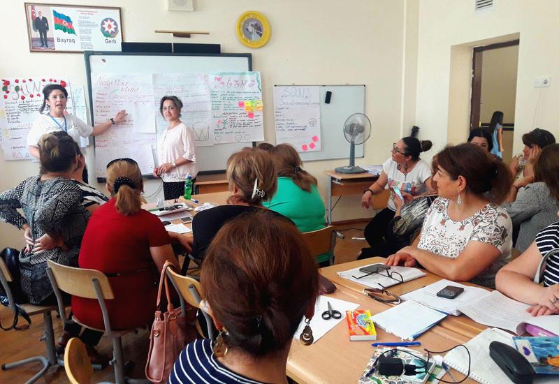"""Сотни учителей бакинских школ приняли участие в курсах повышения квалификации <span class=""""color_red"""">- ФОТО</span>"""