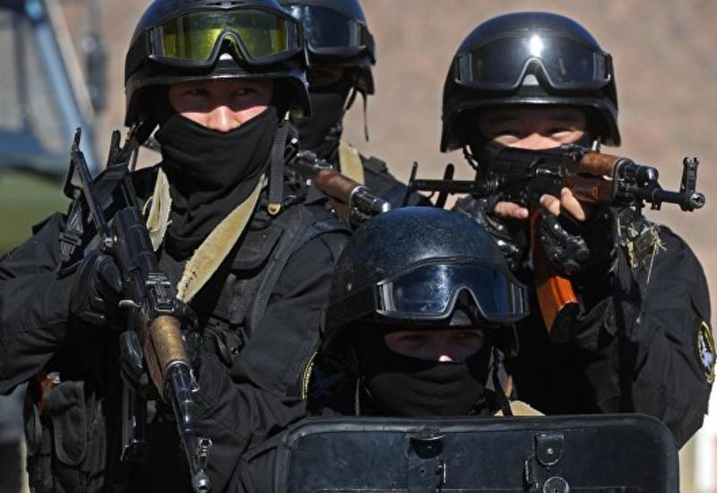 """Спецслужбы СНГ освободят """"заложников"""" из самолета на учениях в Кыргызстане"""