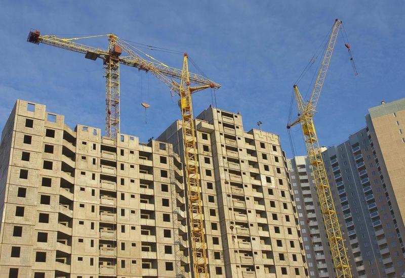 В десятках строительных объектов Баку выявлены серьезные правонарушения