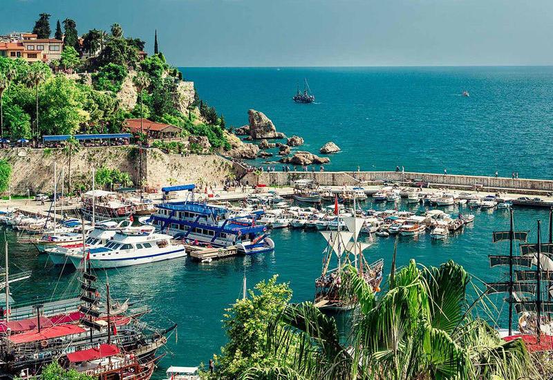 Турция предложила России провести в мае в Анталье заседание по безопасности туризма
