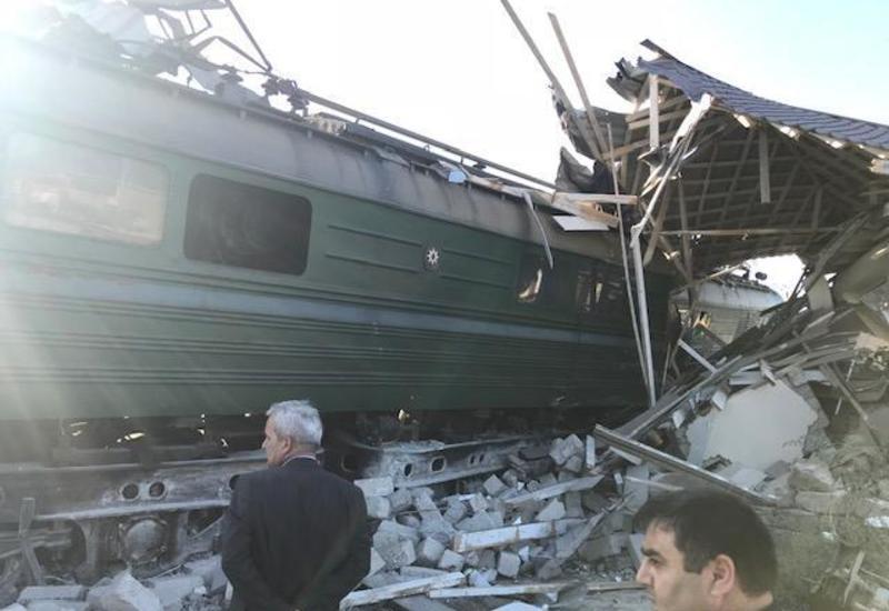 Возбуждено уголовное дело по факту столкновения поезда с автобусом в Баку