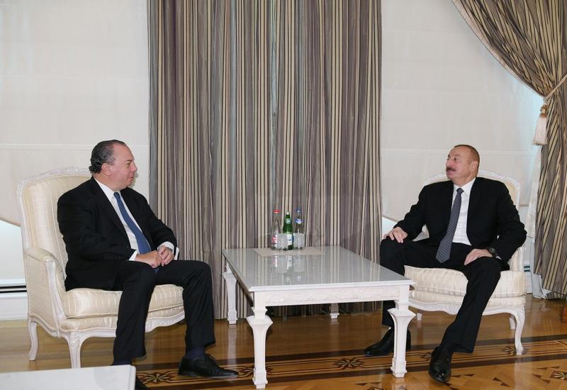 Президент Ильхам Алиев принял главу Фонда этнического взаимопонимания США
