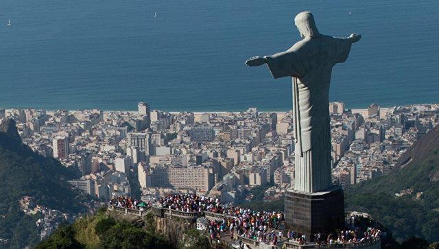 Сегодня Бразилия выбирает президента, парламент игубернаторов