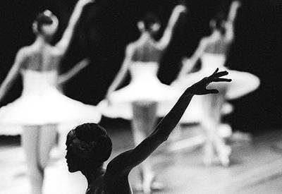 КультГид Lady.Day.Az: «Лебединое озеро», «Джавад хан» и еще 4 балетных спектакля этого месяца