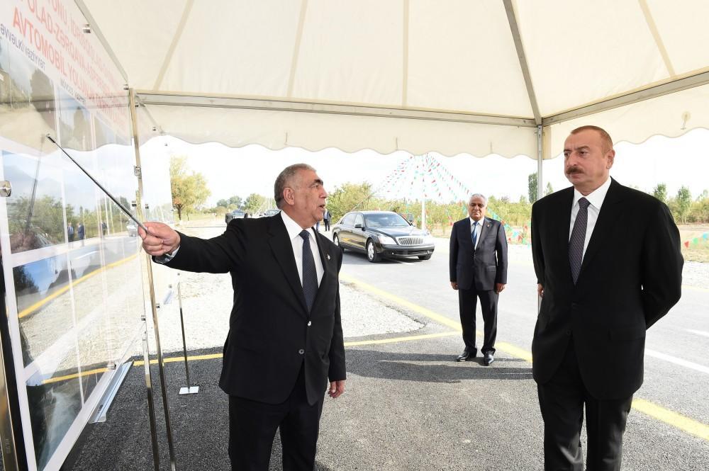 Президент Ильхам Алиев принял участие в открытии автодороги Идрисгышлаг-Гасымгышлаг-Хасполад-Заргава-Асперести-Чайгышлаг в Губе - ФОТО