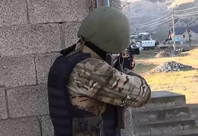 В Дагестане произошла перестрелка с боевиками, ранен полицейский