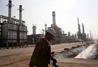 Вице-президент Ирана заявил, что страна нашла новых импортеров нефти