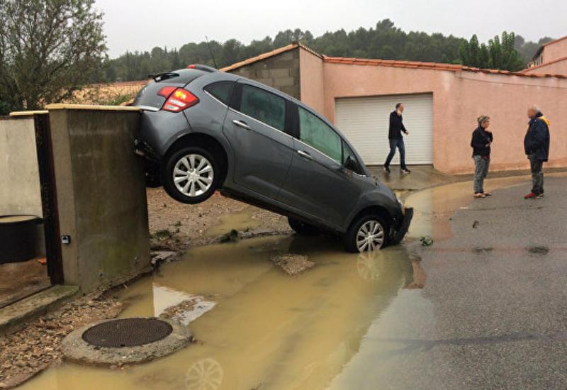 Во Франции растет число погибших при наводнении