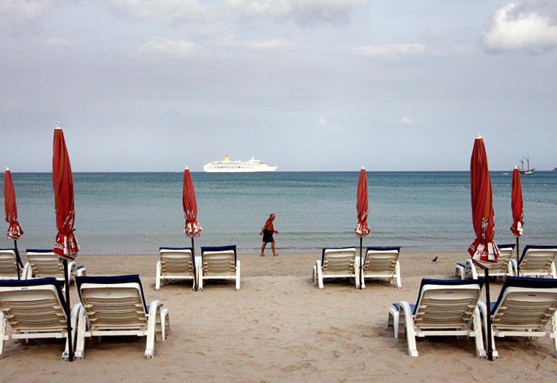 Таиландские спасатели предупреждают о постоянной опасности на пляжах Пхукета