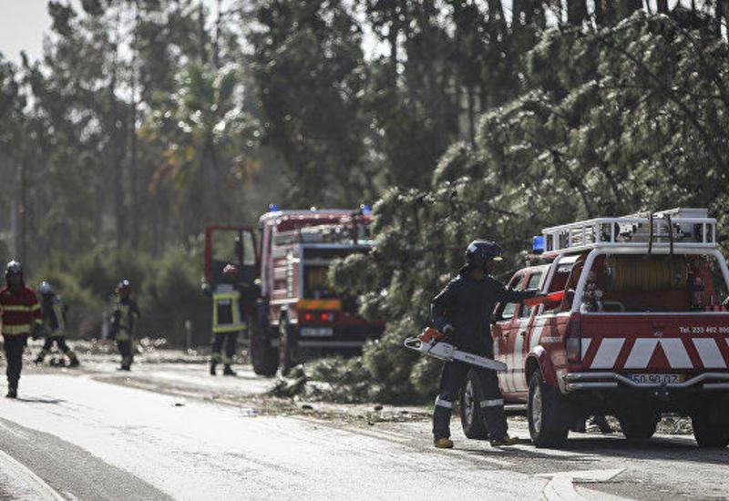 "В Испании 17 человек пострадали из-за шторма ""Лесли"""