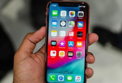 "iPhone Xs сравнили с дешевой подделкой <span class=""color_red"">- ВИДЕО</span>"