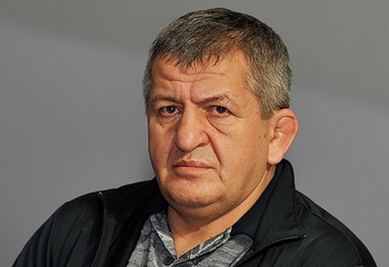 Отец Нурмагомедова прокомментировал слухи о попытке сына сменить гражданство