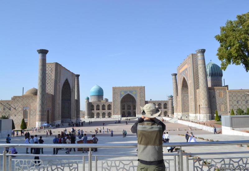 """Азербайджанский путешественник в Самарканде <span class=""""color_red"""">- ФОТО</span>"""