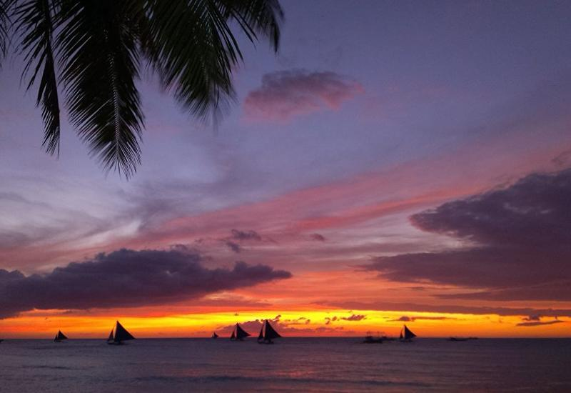 Знаменитый остров Боракай снова открывается для туристов: теперь без дайвинга и сувениров