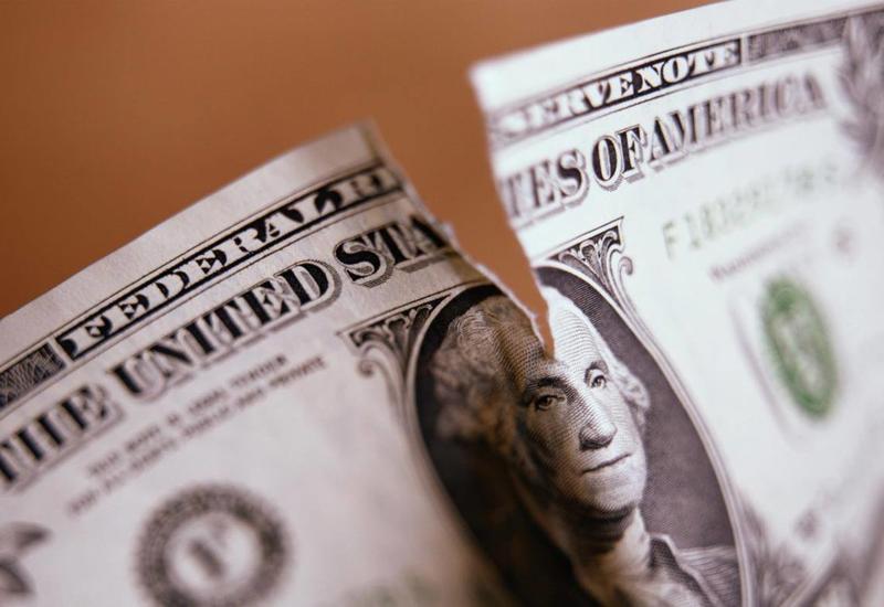 Венесуэла отказалась от доллара