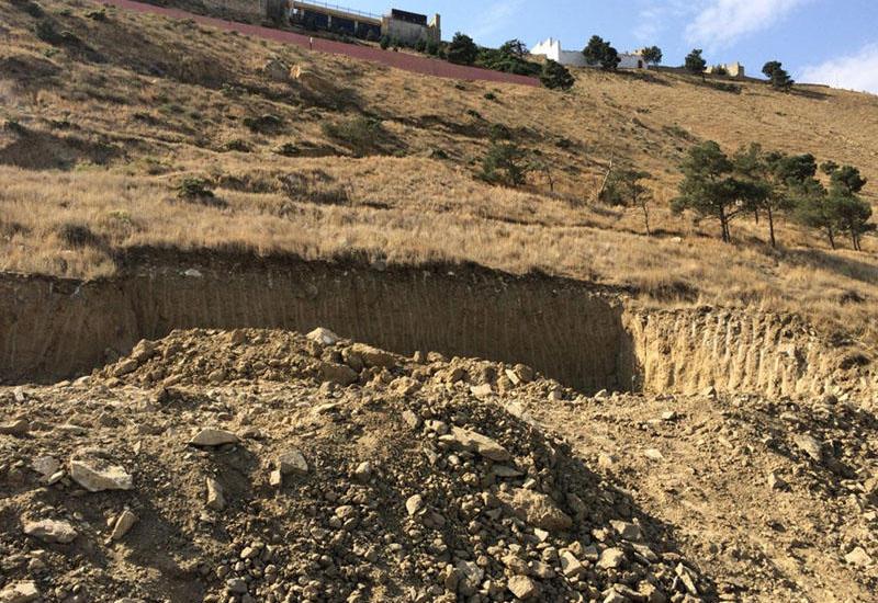 Оползневый процесс на Бадамдарском шоссе в Баку может остановиться через два месяца