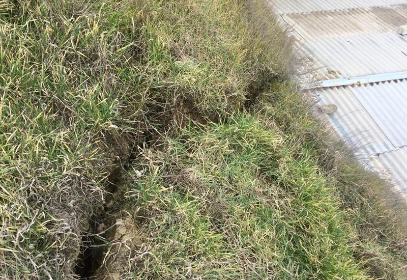 В оползневой зоне в Баку наблюдается расширение трещин