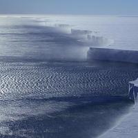 """В Сети опубликовано видео с жутким гулом в антарктических льдах <span class=""""color_red"""">- ВИДЕО</span>"""