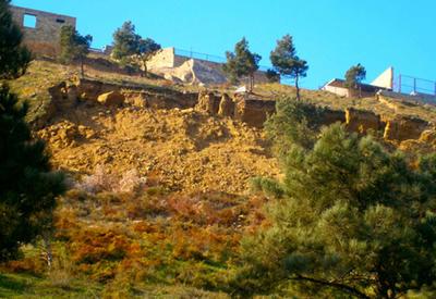 В Бадамдарской оползневой зоне в Баку наблюдается увеличение трещин