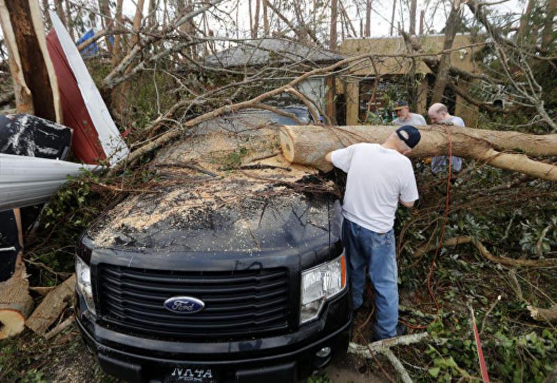"""Число жертв урагана """"Майкл"""" в США увеличилось до 33 человек"""