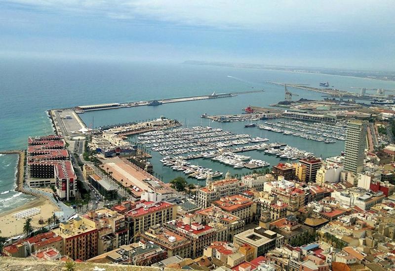 В Испании сокращается число иностранных туристов
