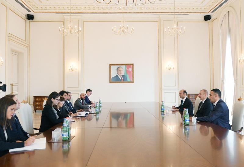 "Президент Ильхам Алиев принял председателя Сената Италии <span class=""color_red"">- ФОТО</span>"