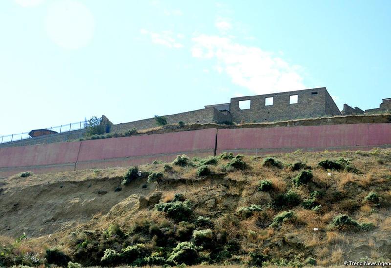 Ситуация в зоне оползня в Баку остается без изменений