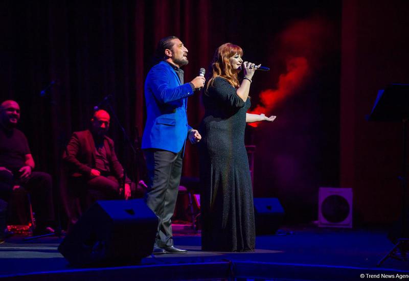 "Во Дворце Гейдара Алиева прошел концерт под названием ""Şanson gecəsi"" <span class=""color_red"">- ФОТО - ВИДЕО</span>"