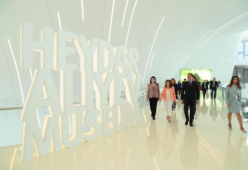 "Председатель Сената Италии посетила Центр Гейдара Алиева <span class=""color_red"">- ФОТО</span>"