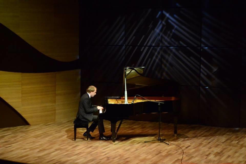 В Центре мугама прошел концерт известного пианиста Даниила Саямова