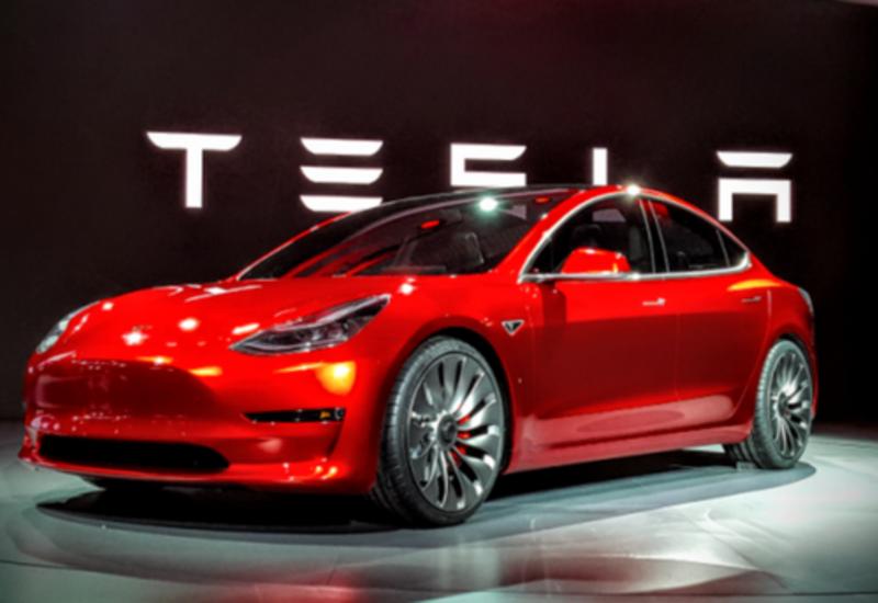 Tesla снизила цену на свой самый дешевый электрокар