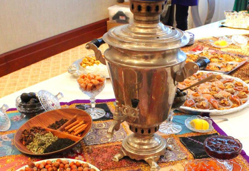 """В Баку представлены чайные традиции народов мира <span class=""""color_red"""">- ФОТО</span>"""