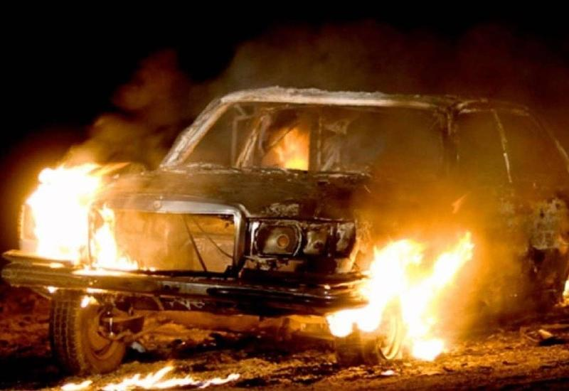 В Астаре сгорел автомобиль, есть пострадавшие