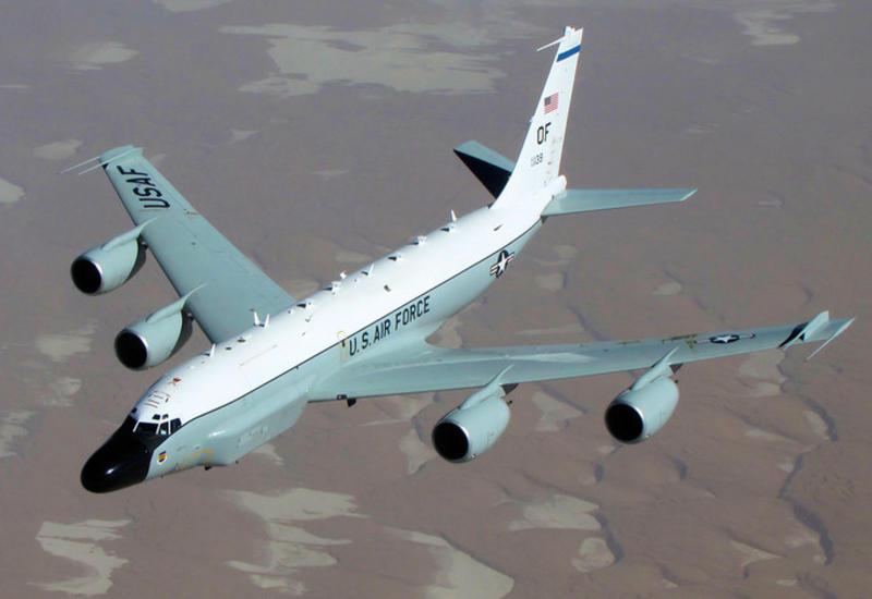 Самолет ВВС США провел разведку у западных границ России