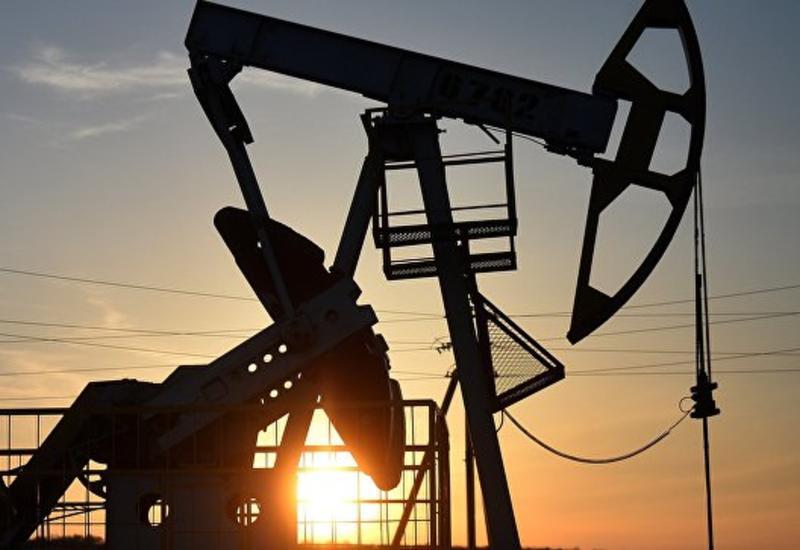 Нефть дорожает в ожидании вступления в силу санкций США против Ирана