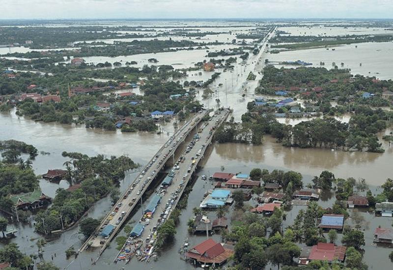 """Ученые предрекают наступление """"эры бесконечных ливней и наводнений"""""""