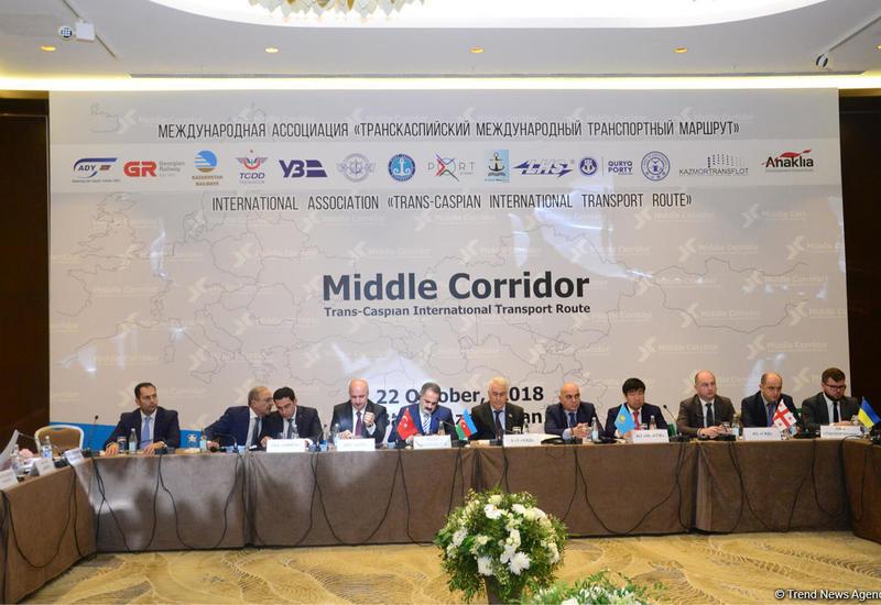 Азербайджан назван ключевой точкой в Транскаспийском коридоре