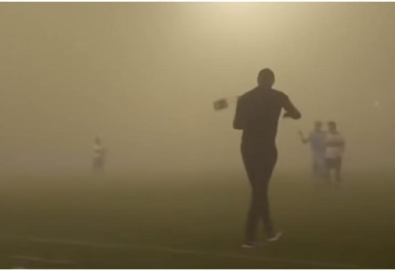 """Сильная песчаная буря прервала футбольный матч в Саудовской Аравии <span class=""""color_red"""">- ВИДЕО</span>"""
