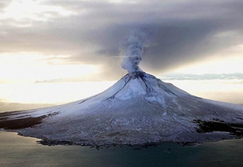 На Аляске произошло извержение вулкана